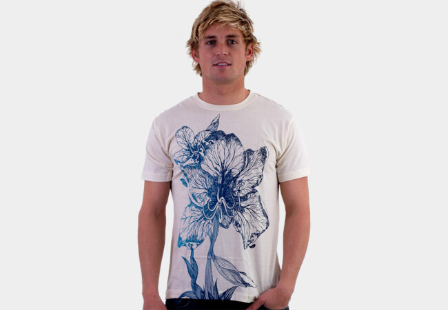 floral connexion T-Shirt - Design By Humans